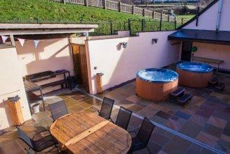 Barbecue & Hot Tub area
